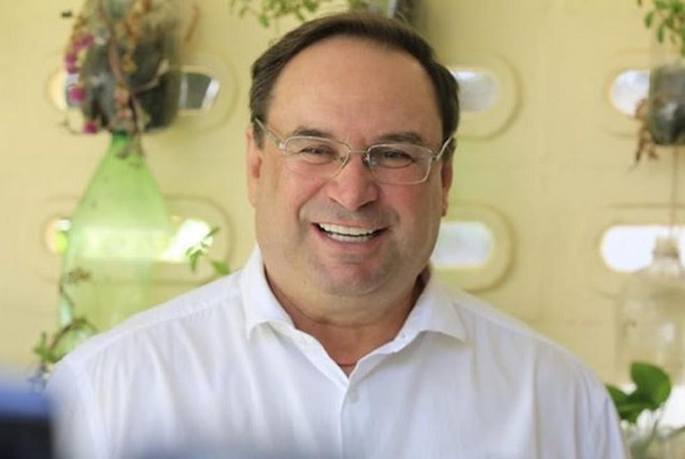 Luciano Barbosa anuncia saída do governo de AL