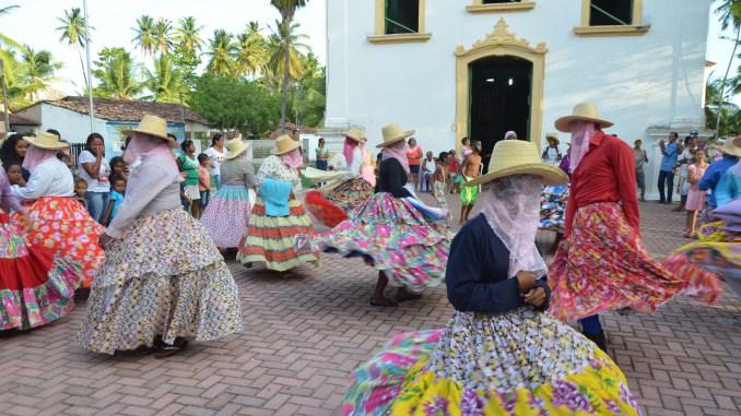Secult e Sedetur entregam cestas básicas a mestres da cultura popular alagoana
