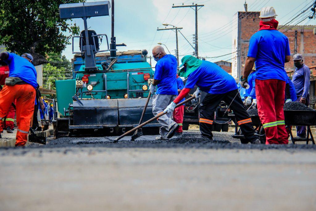 Obras de revitalização avançam nas ruas do Clima Bom