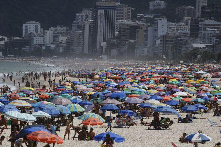 Brasil tem 4.558.068 casos do coronavírus