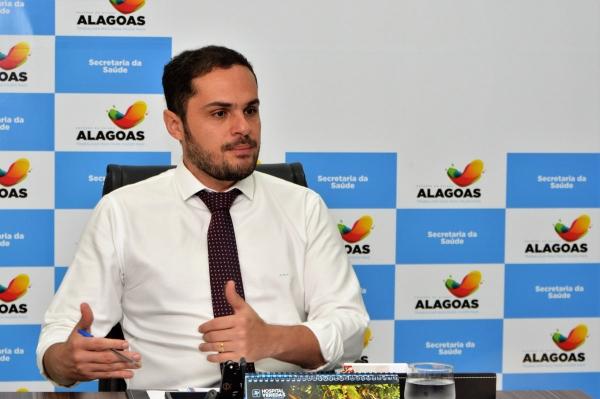 Alexandre Ayres garante estoque de seringas e agulhas em Alagoas