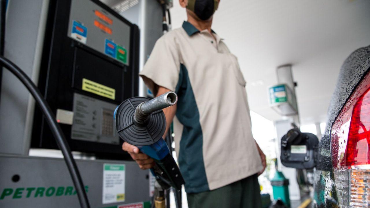 Preço da gasolina vai passar de R$ 5,10 em Maceió, diz empresário