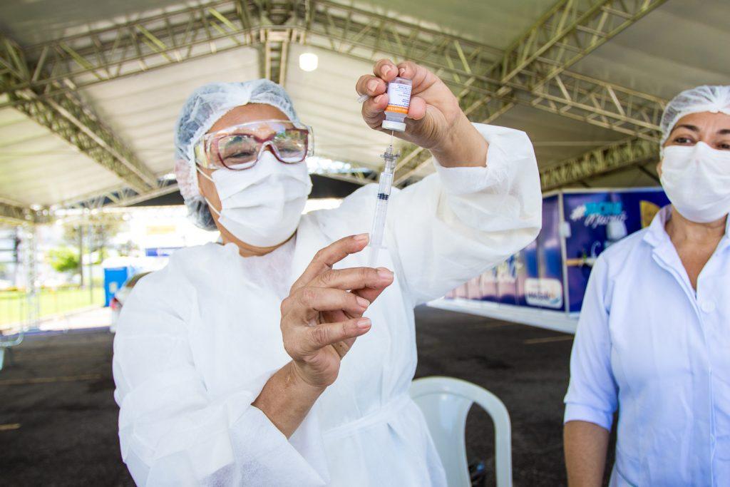 Alagoas receberá mais de 120 mil doses da vacina contra a Covid-19